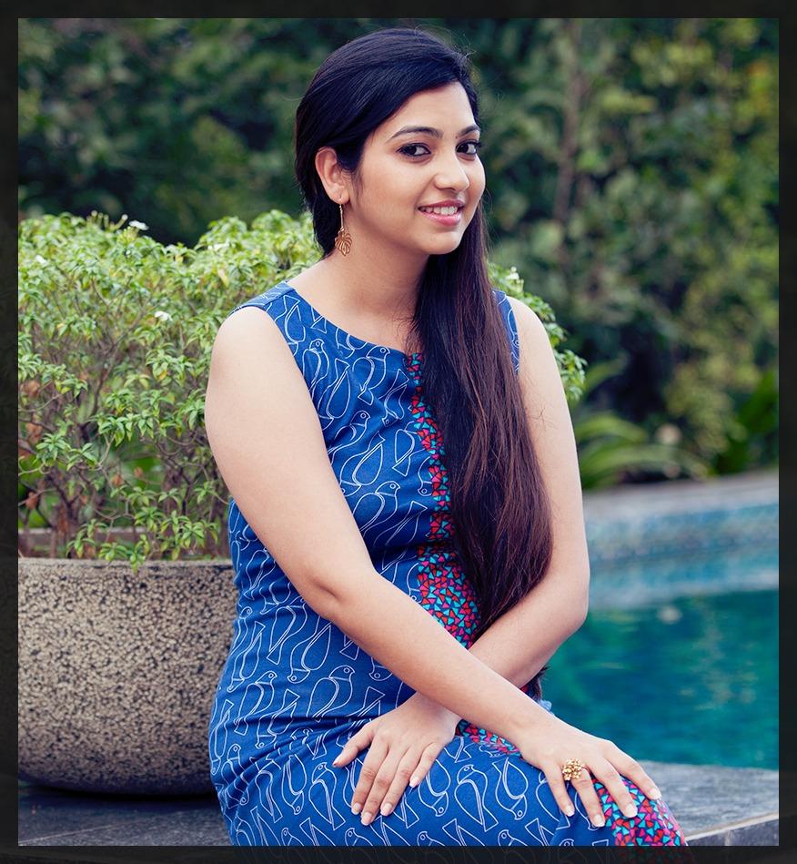Pooja bhatt sexy images